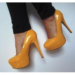 Pantofi 1972